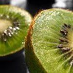 Kiwi w plasterkach