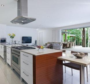 Elegancki dodatek i ważny element wyposażenia kuchni – okap kuchenny – jaki wybrać?