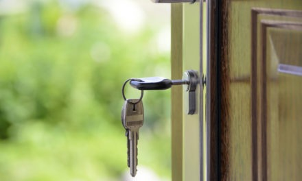 Jak kupić ciepłe drzwi wejściowe?