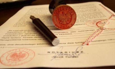 Dlaczego umowy zbycia nieruchomości warto zawierać u notariusza?
