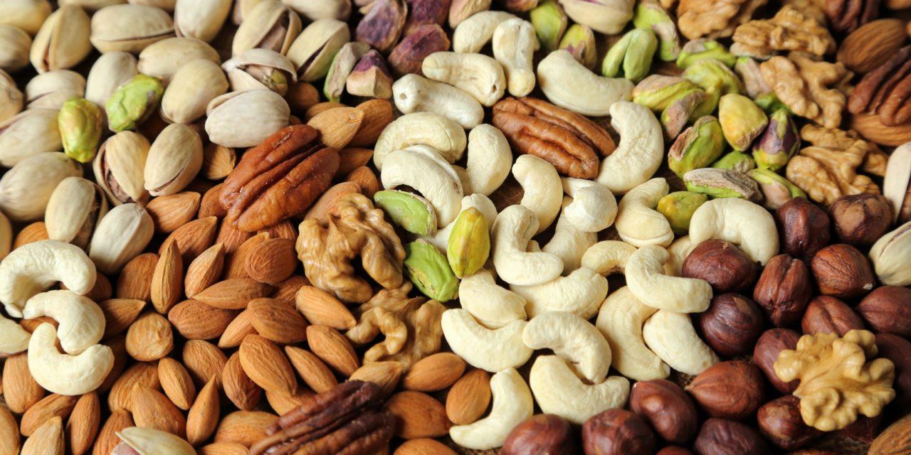 5 powodów, dla których warto jeść orzechy