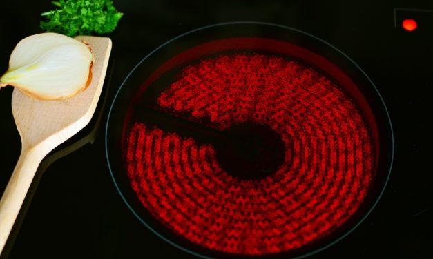 Jaka płyta grzewcza w kuchence elektrycznej: ceramiczna, indukcyjna czy elektryczna?
