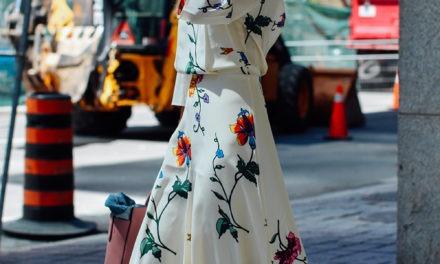 Jak wyglądać modnie latem?