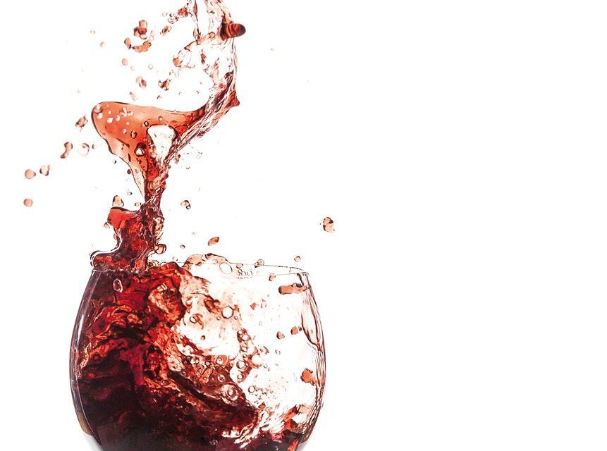 Czerwone wina wytrawne to jedne z najzdrowszych alkoholi – prawda czy mit?
