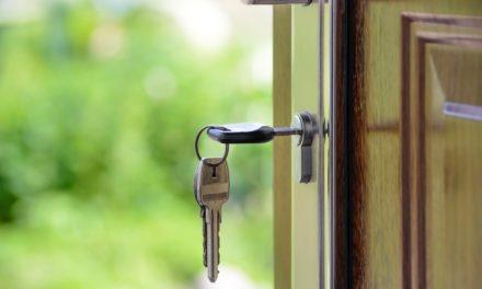 Na czym może polegać przewaga drzwi stalowych zewnętrznych nad drewnianymi?