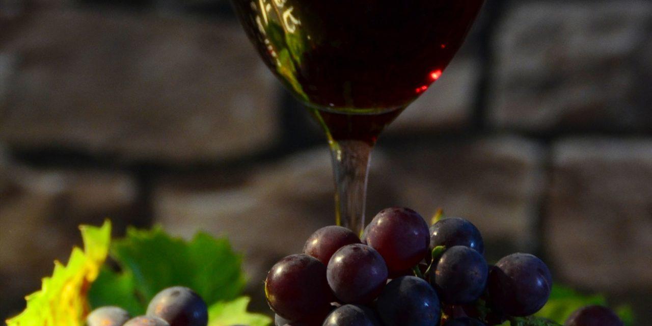 Wino porto – co warto wiedzieć? Historia, charakterystyka, cena