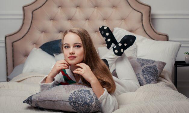 Wygodne piżamy damskie – jaki model wybrać, aby spać komfortowo i spokojnie?
