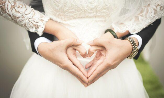 Planujesz ślub i wesele? Wybierz najlepsze toppery ślubne!