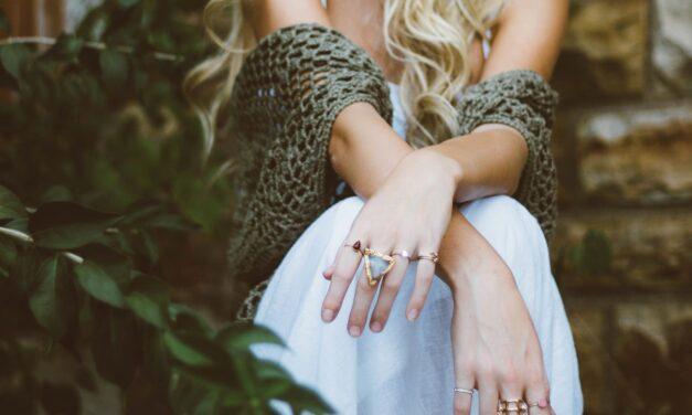 Biżuteria artystyczna – jak o nią zadbać na co dzień?